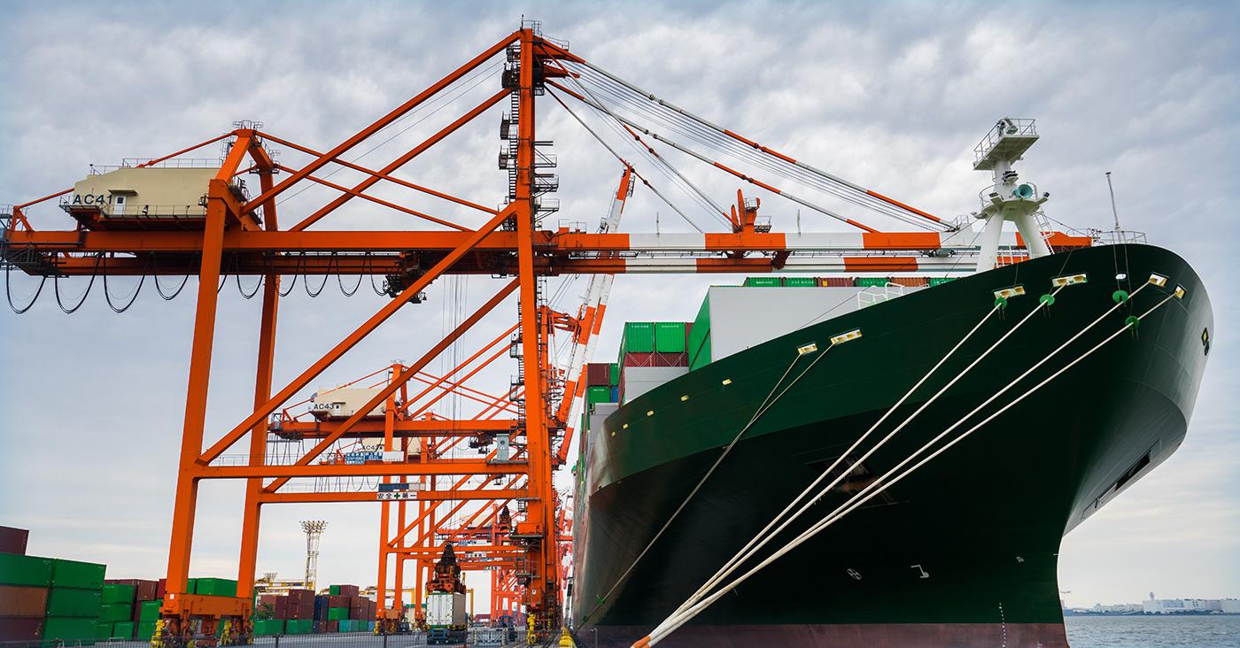 輸入事業<br /> 35年以上の取引実績!<br /> 仕入れやコストの課題を輸入によって解決する<br /> エキスパート